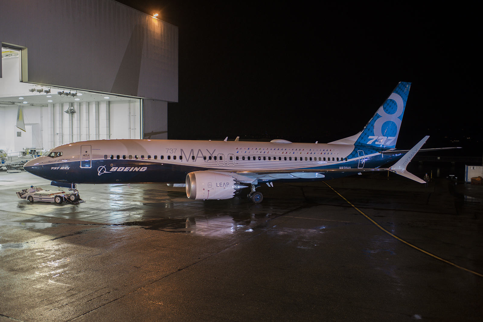 Boeing Unveils New 737 That Can Fit 11 More Passengers In Coach; Fate Of Travelers' Knees Uncertain