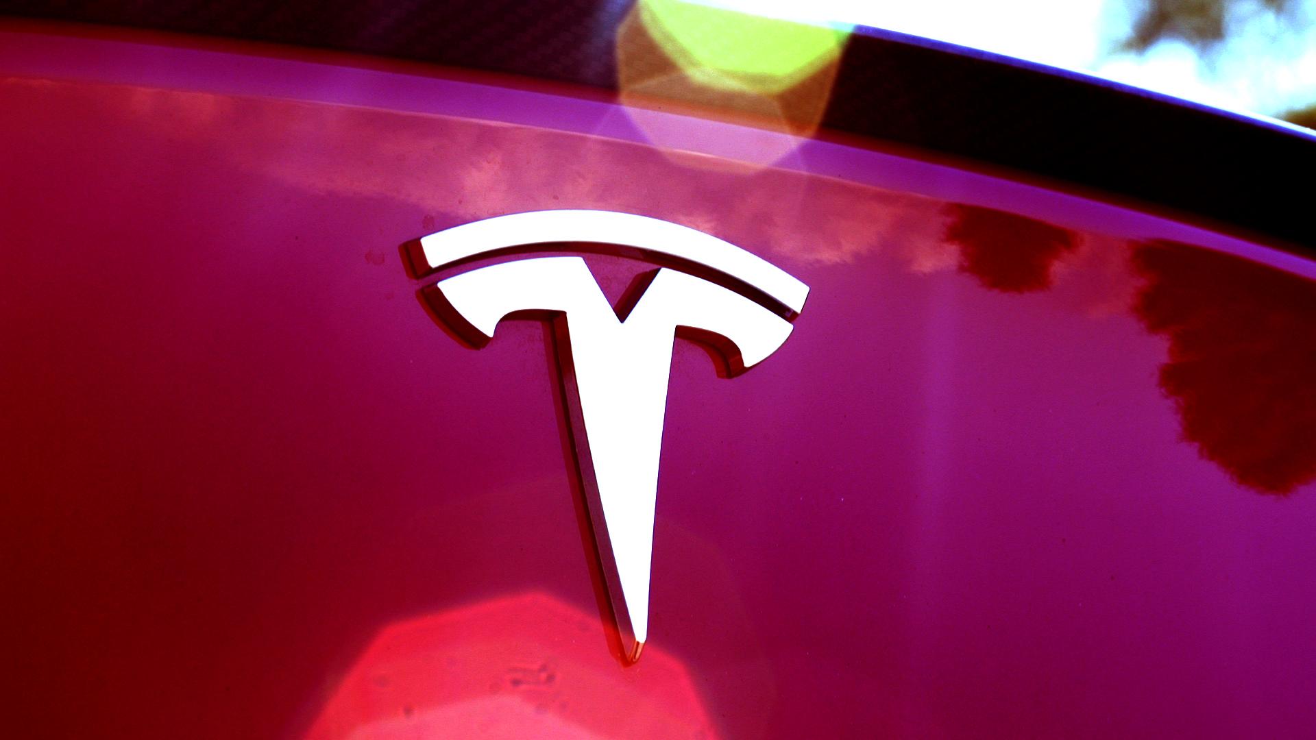 Tesla Ends $1,000 Referral Credit Program