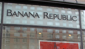 Banana Republic Credit Card Comes With Free Account Errors, Late Fees, Disconnected Calls