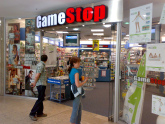 Crazy Customer Makes Death Threat In GameStop, Gets Hauled Off By Police