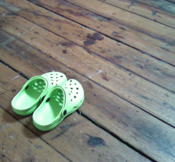 Don't Try To Use Your Blog To Extort A Pair Of Crocs