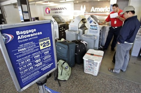 American Refunds Canceled Plane Ticket, Keeps $15 Checked Baggage Fee