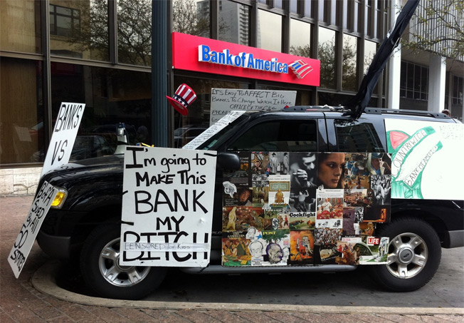 Homeowner Turns SUV Into Anti-BofA Collage