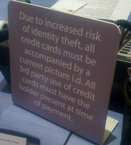 Apple Store Institutionalizes Merchant Agreement Violation with Pretty Sign