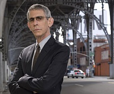 Law & Order: SVU Star Belzer Denies Attack On Apple Store Employee