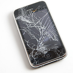 Is The iPhone 4 'GlassGate' News All It's Cracked Up To Be?