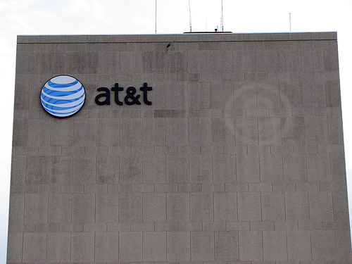 AT&T Charges Up To Eight Minutes For A One-Minute Phone Call