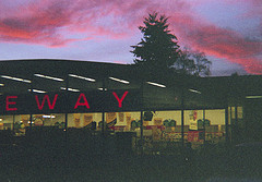Safeway Reinstates Employee Who Stopped Man From Beating Up Pregnant Girlfriend