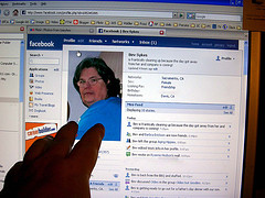Scammer Cracks Into Facebook Account And Hits Up Chat List For Cash