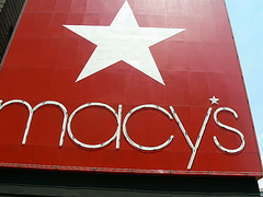 Macy's Policy Against Breaking Bills Results In Loss of Sale