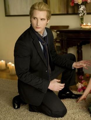 Twilight's Carlisle Cullen Named Wealthiest Fictional Character