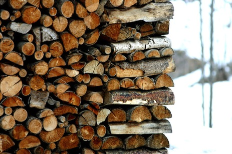Don't Get Burned When Buying Firewood