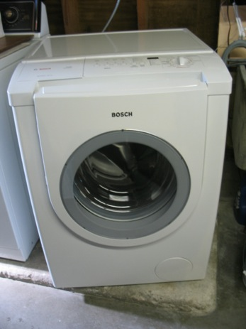 "Lowe's Installers Fail To Follow 9-Step ""Easy Guide To Quick Setup,"" Break Washing Machine"