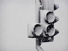 Power-Saving LED Traffic Lights Can't Melt Snow, Cause Accident