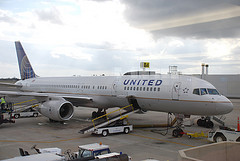 United Says Photographing Staff Could Get You On 'No Fly' List, Continental Says You Deserve An Apology