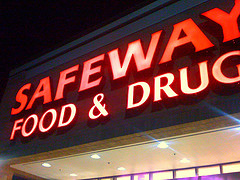 Safeway Suspends Employee After He Stopped A Man From Hitting Pregnant Girlfriend