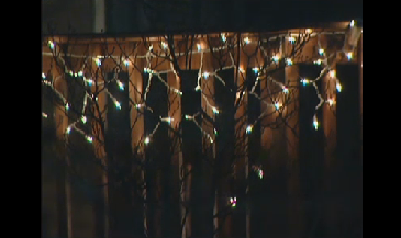 Homeowners Association Ignores Basic Math, Fines Residents For Posting Colored Christmas Lights