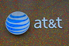 AT&T Insists Its New Apple-Like Store Is Totally Not An Attempt To Be More Like Apple