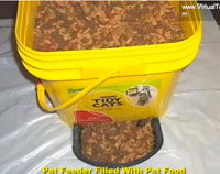 Make Your Own Automatic Pet Feeder With A Litter Bucket And A Pie Tin