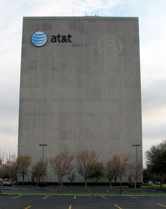 AT&T Letting Customers Out Of Contract If They Switch To AT&T Next