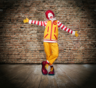 McDonald's Is Sending Ronald McDonald To Work On Twitter In A New Outfit