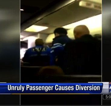United Flight Diverted Because Passengers Aren't Supposed To Charge The Cockpit