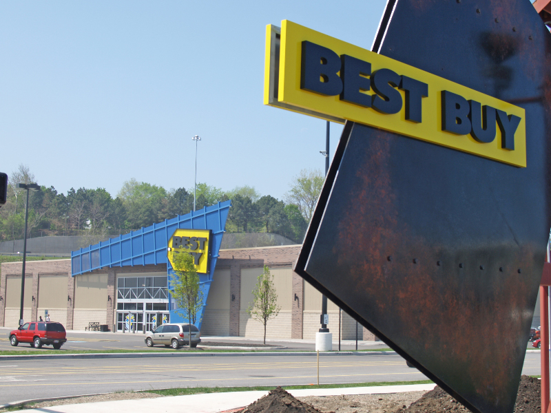 "Verizon, AT&T To Open 250 ""Experience Stores"" Inside Best Buy Locations"