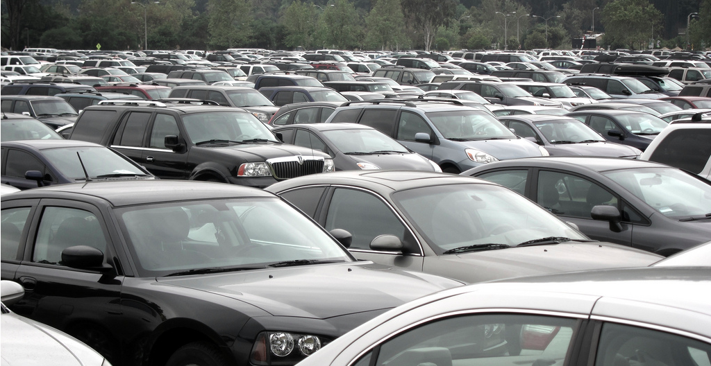 3 Tips For Snagging A Parking Spot During The Holiday Shopping Rush