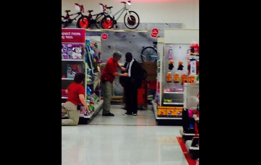 Target Workers Caught On Camera… Helping Teen Job Interviewee Tie His Tie