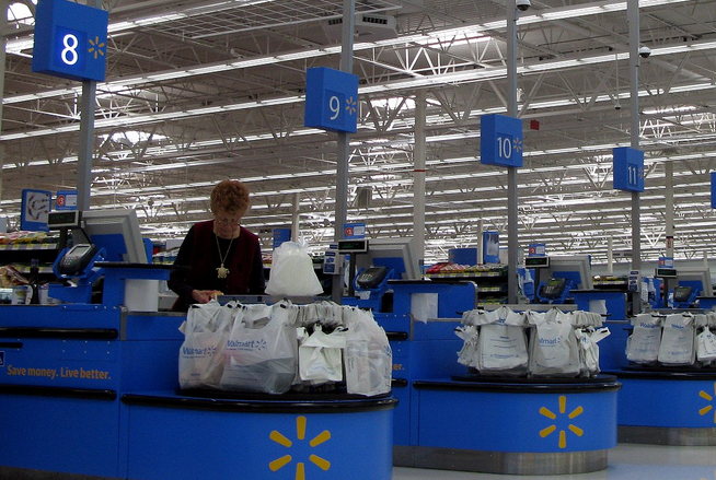 Walmart Shoppers Will Soon Be Able To Pay For Their Stuff In Stores Using Retailer's Smartphone App