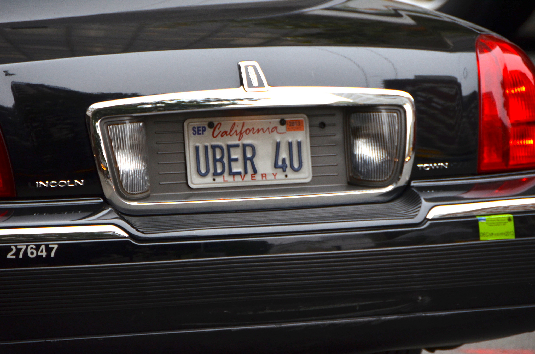 AT&T, Uber Team Up To Stream College Football Games On Your Next Ride Across Town