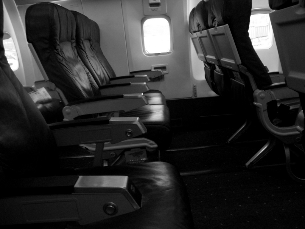 Bill Would Charge FAA With Creating Airline Seat-Size Requirements