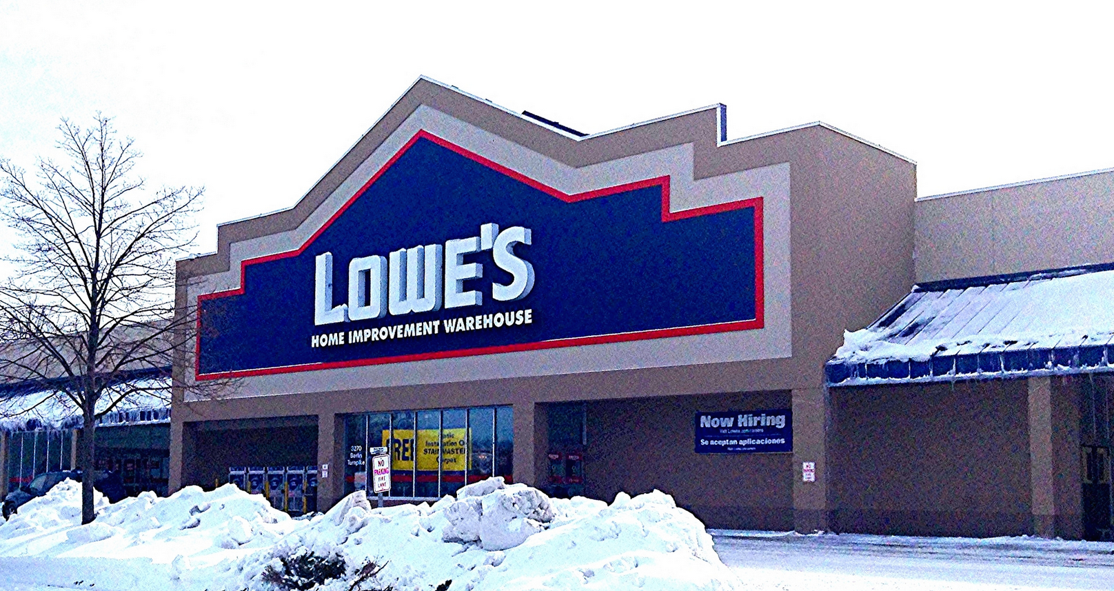 Beaver Wanders Into A Lowe's Store, Finds Nothing Useful