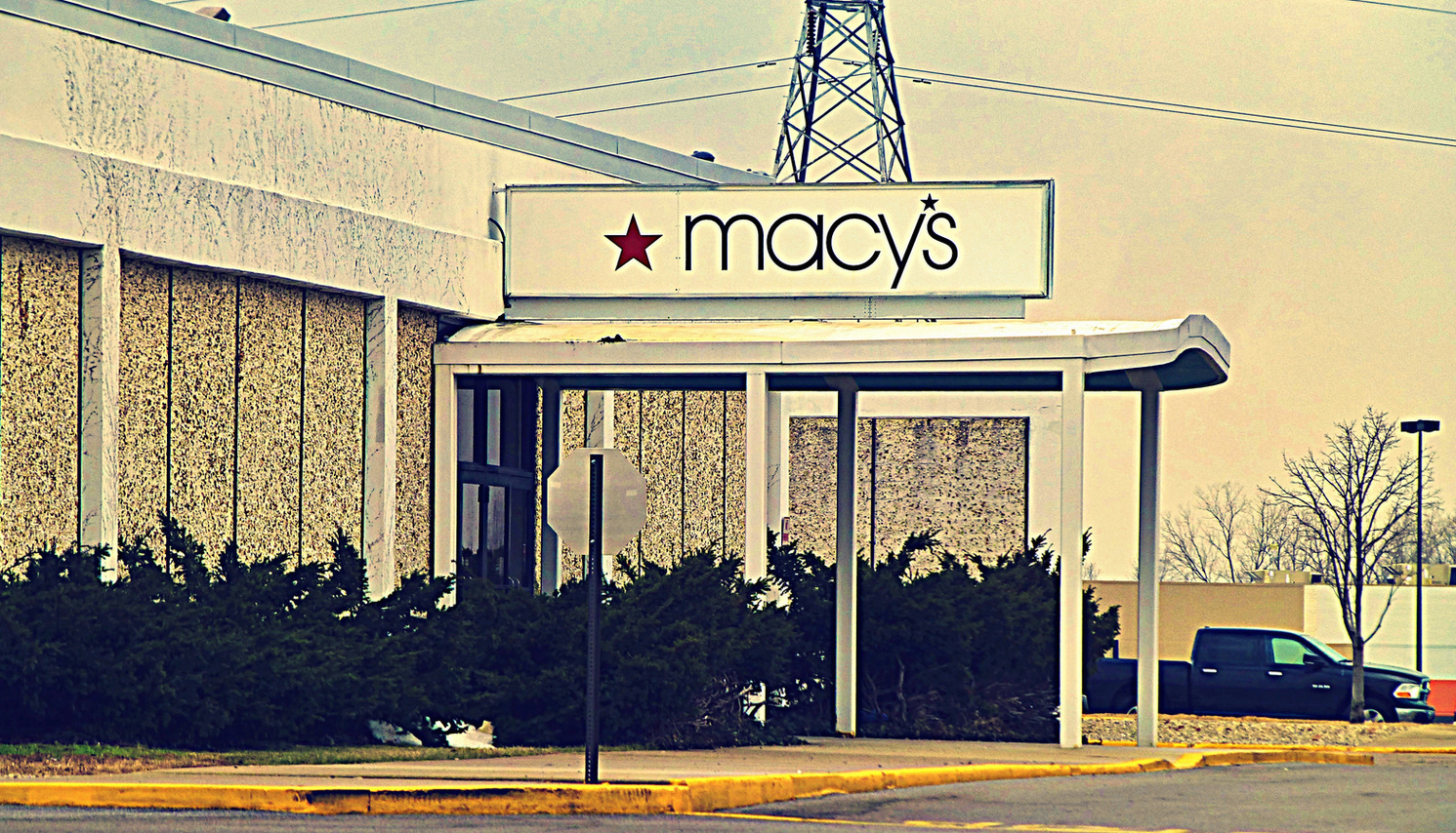 Macy's To Close Dozens Of Stores In Early 2016