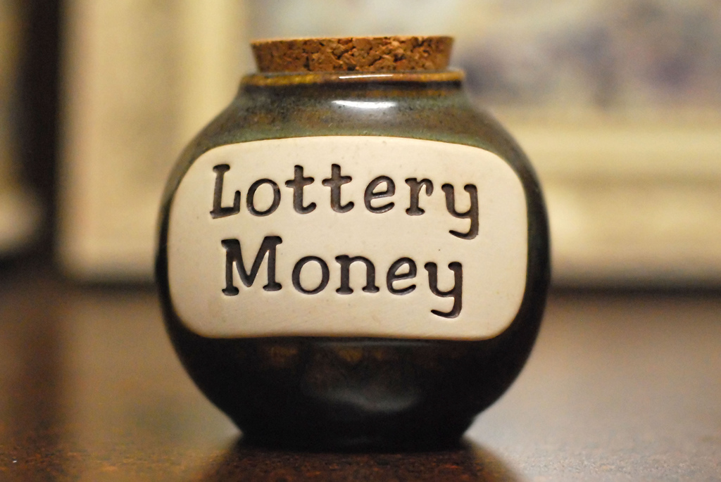 """Man Sues California Lottery Claiming Officials """"Destroyed"""" Evidence"""