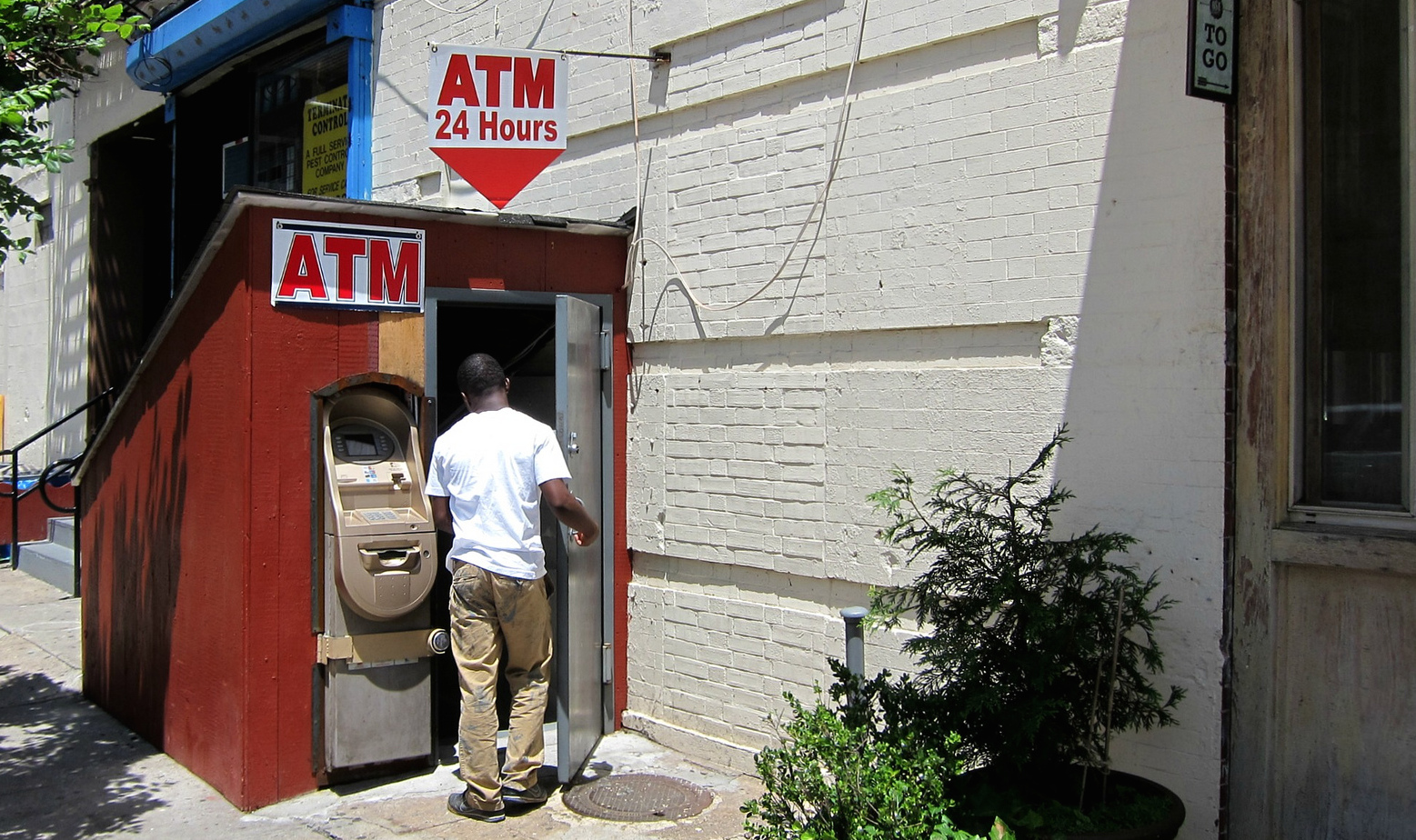 The 3 Biggest Banks Extracted $6 Billion In ATM And Overdraft Fees From Us Last Year