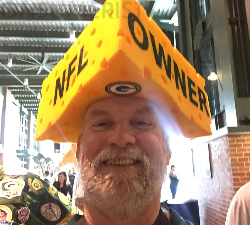 This is what happens when a Packers owner gets ahold of your phone. Steve 1400b3075