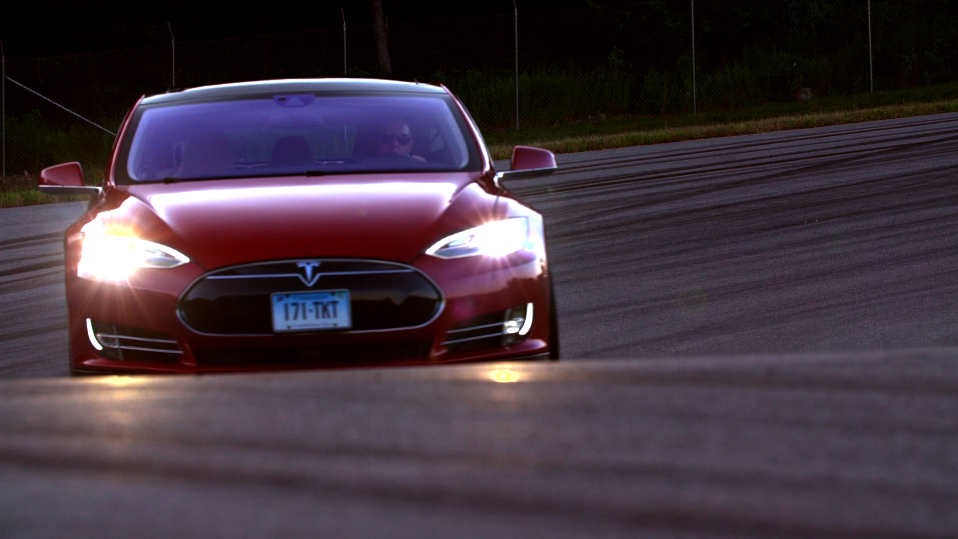 "Tesla Denies Report Of Possible Safety Defect In Model S & ""Troubling"" Nondisclosure Agreements"