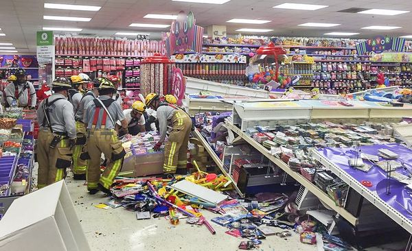 Discount party supplies and Halloween costumes, with thousands of theme party supplies, birthday party supplies, and costumes and accessories. 16 Stores Similar to Party City. 1 Betsey Johnson Stores Like Betsey Johnson. 2 Filene's Basement Stores Like Filene's Basement. 3 Family.