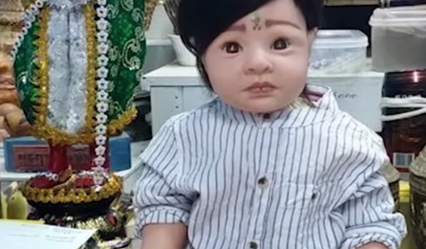Aviation Authority: No, You Can't Put Your Supernatural Dolls In Airplane Seats
