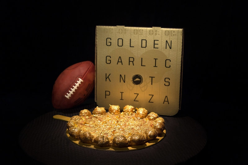Pizza Hut Offering Stuffed Garlic Knots Pizzas Sprinkled With $100 Worth Of Gold For Super Bowl Sunday