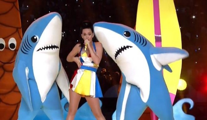 Since the NFL won't let Troy sell his tapes of the first Super Bowl, you'll have to imagine that the shark on the right is the Green Bay Packers, while the Kansas Chiefs are represented by left shark.