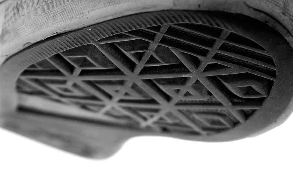 8b85c3bf4f94 Converse Wins Trademark Battle Over Chuck Taylor s Sole – Consumerist