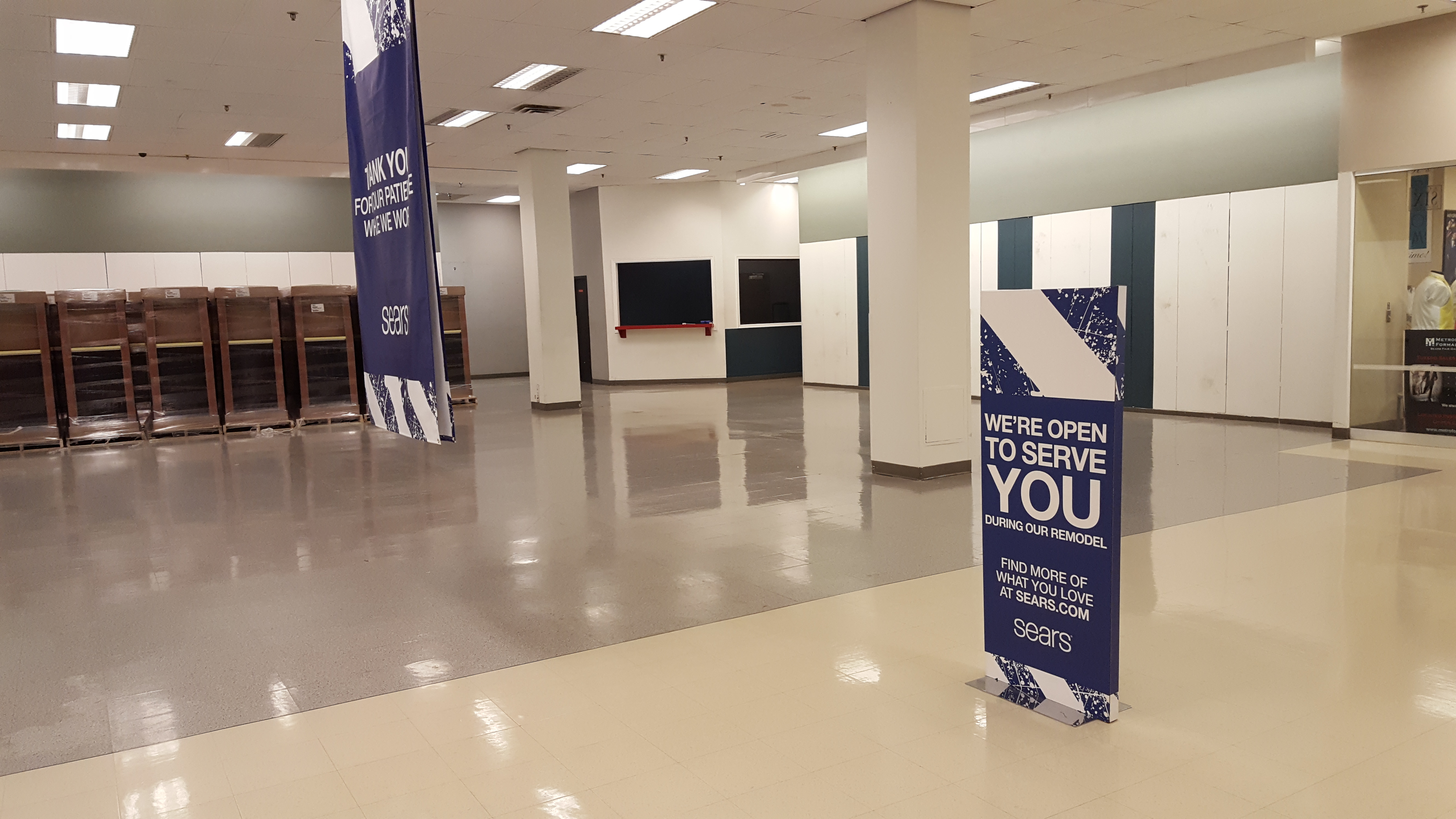 Sears' Empty Sales Floors May Be Turning Customers Off
