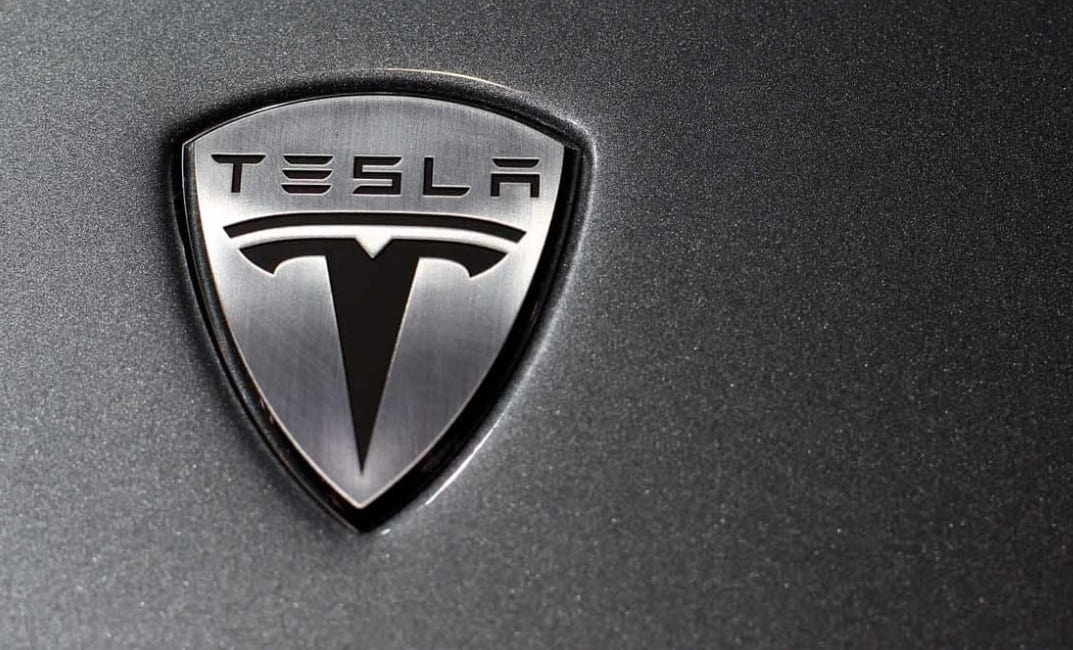 Tesla Autopilot Crash Victim Drove Mostly Hands Free, NTSB Says
